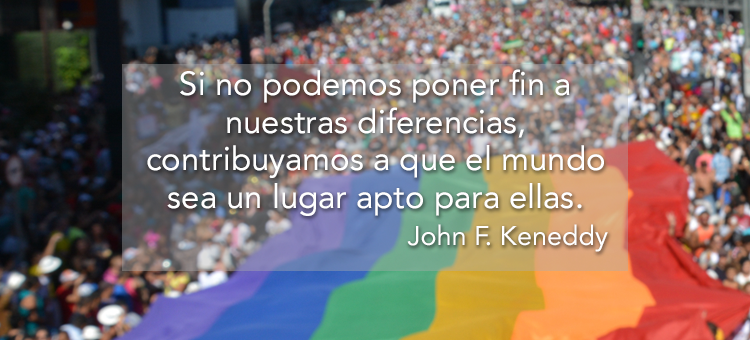 Presidenta Bachelet autorizó a las comunidades LGTBI a iluminar La Moneda