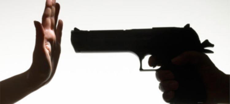 Desde los arrestos ciudadanos, hasta el piedrazo a Luksic ¿Se puede justificar la violencia?