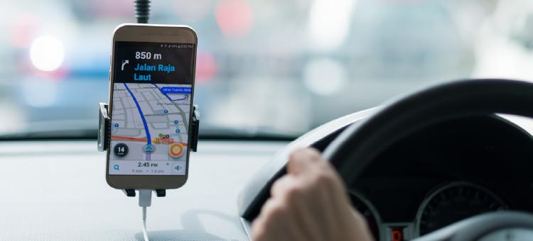 """La """"Ley Uber"""" endurece sus indicaciones: ¿Quién sale ganando?"""